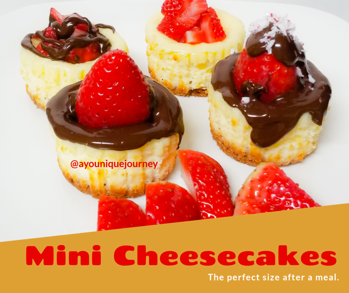 Mini Cheesecake recipe with melted chocolate and strawberry.